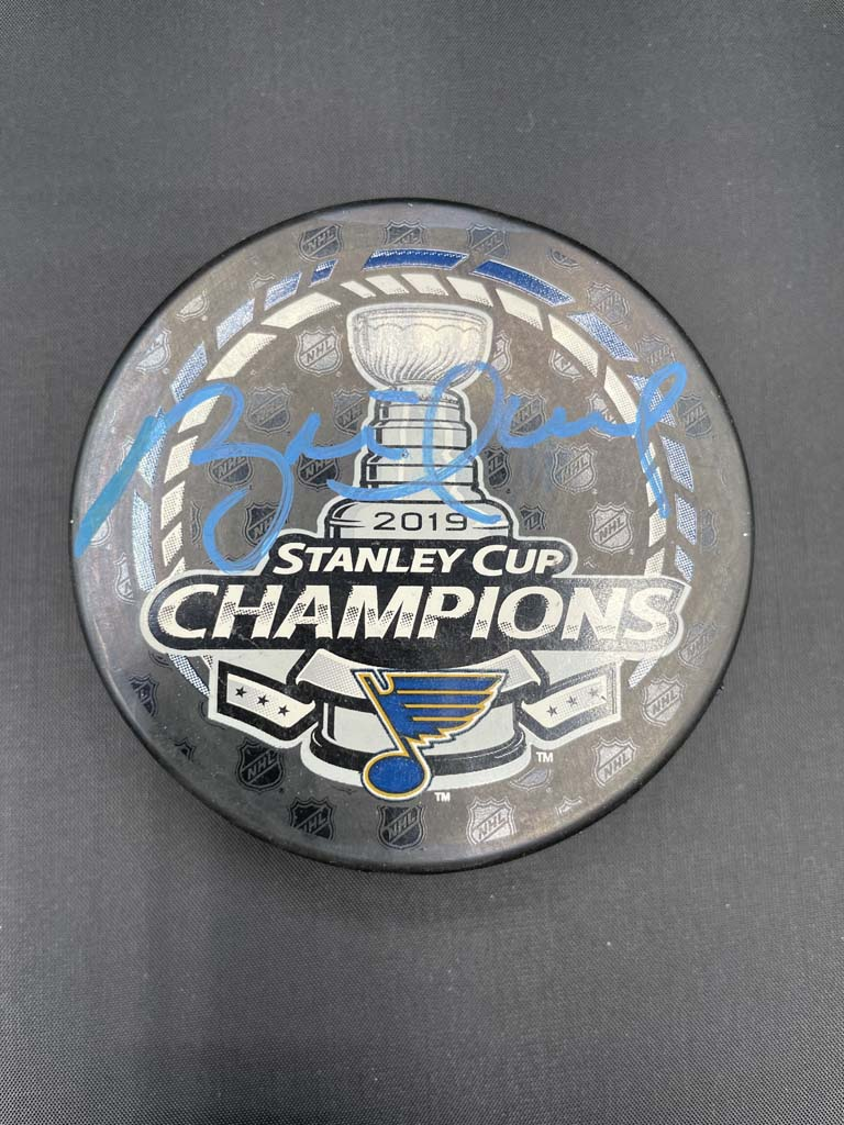 Brett Hull Stanley Cup Puck Autographed